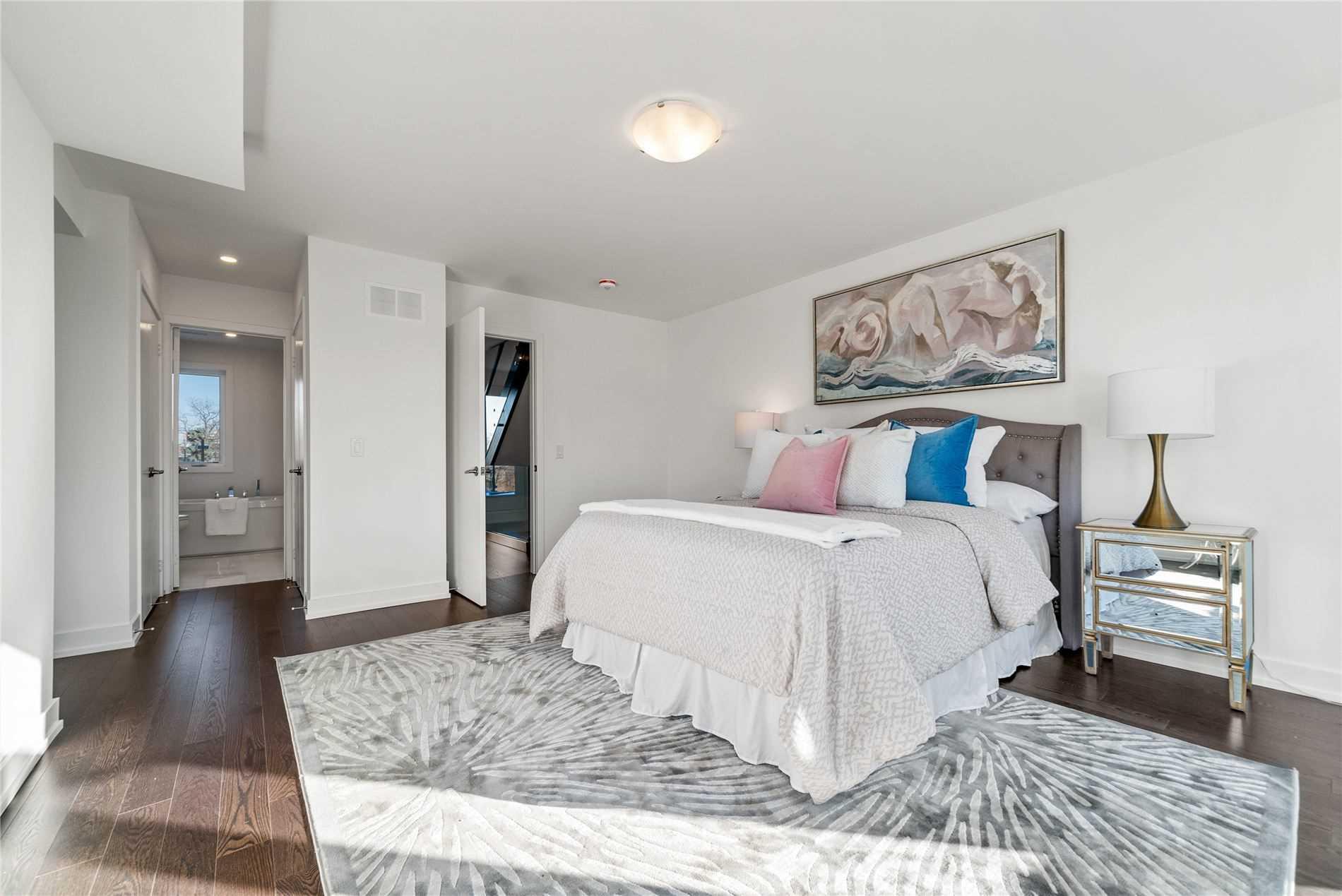 27 Thornton Ave, Toronto, Ontario M6E2E3, 3 Bedrooms Bedrooms, 6 Rooms Rooms,3 BathroomsBathrooms,Detached,For Sale,Thornton,W5099835