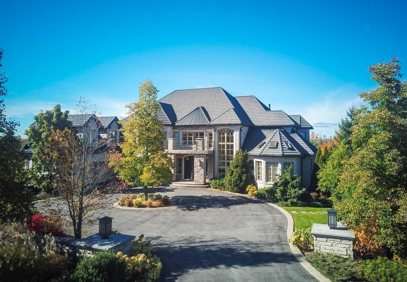 25 Turtle Lake Dr, Halton Hills, L7J2W7, 5 Bedrooms Bedrooms, ,8 BathroomsBathrooms,Detached,For Sale,Turtle Lake,W4667634