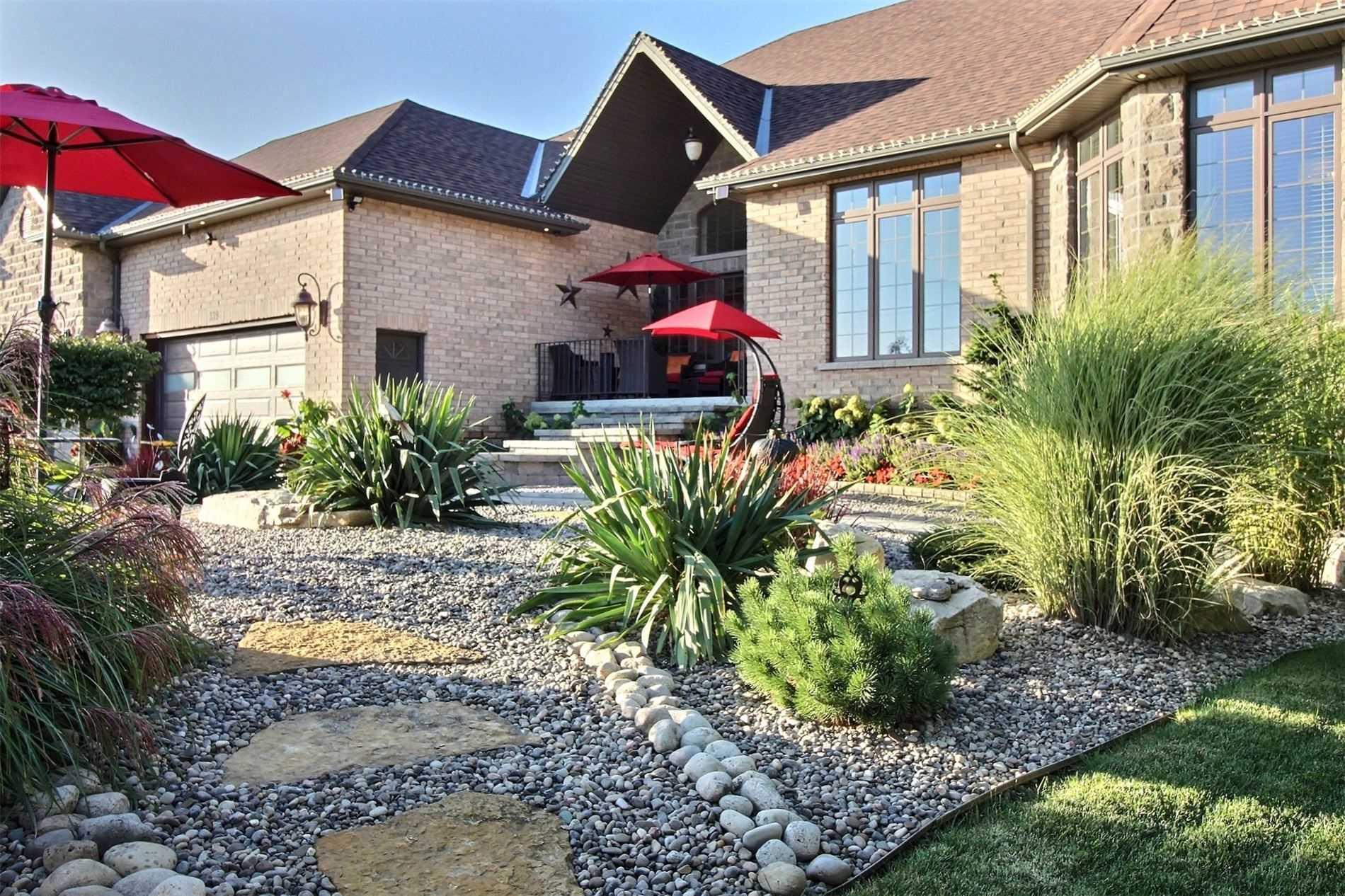 Detached house For Sale In Hamilton - 339 Highland Rd, Hamilton, Ontario, Canada L8J 3E7 , 3 Bedrooms Bedrooms, ,4 BathroomsBathrooms,Detached,For Sale,Highland