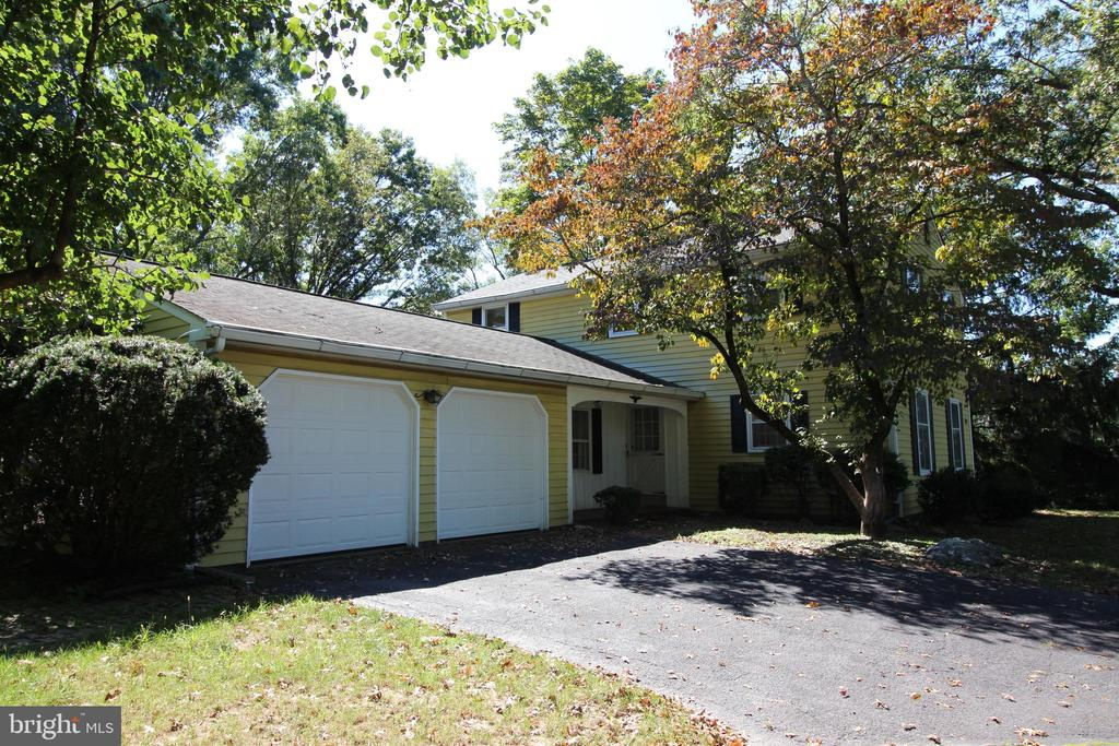 1445 CIRCLE DRIVE, TELFORD, PA 18969, 4 Bedrooms Bedrooms, ,2 BathroomsBathrooms,Residential,For Sale,CIRCLE,PABU480138