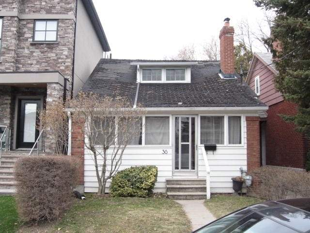 36 Methuen Ave, Toronto, Ontario M6S1Z6, 2 Bedrooms Bedrooms, 5 Rooms Rooms,1 BathroomBathrooms,Detached,For Sale,Methuen,W4719606