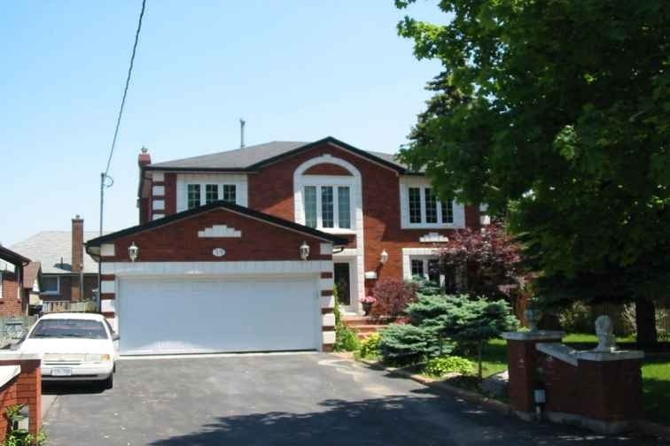59 Riverdale Dr, Toronto, Ontario M9V2T5, 4 Bedrooms Bedrooms, 9 Rooms Rooms,4 BathroomsBathrooms,Detached,For Sale,Riverdale,W5089526