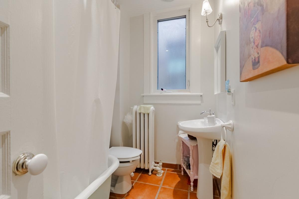221 Roncesvalles Ave, Toronto, Ontario M6R2L6, ,5 BathroomsBathrooms,For Sale,Roncesvalles,W4845655