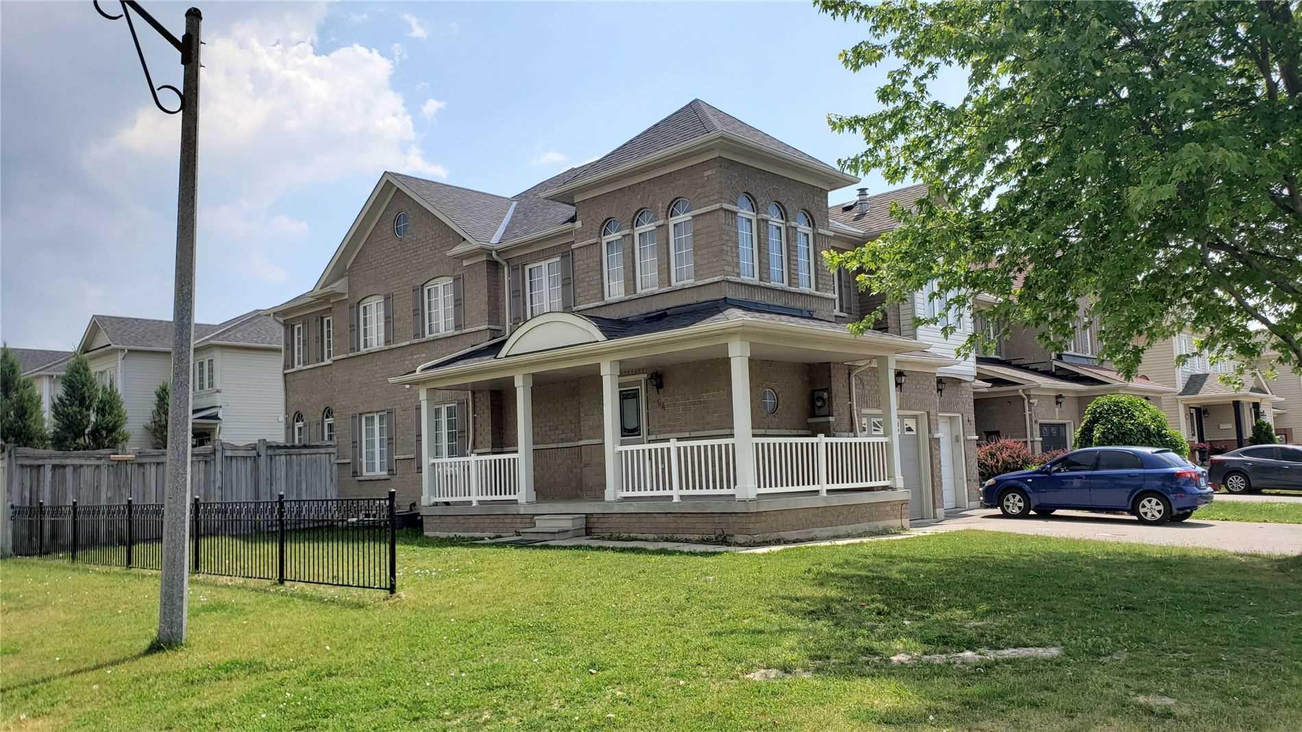 64 Robideau Pl, Whitby, Ontario L1R3G7, 4 Bedrooms Bedrooms, ,3 BathroomsBathrooms,Att/row/twnhouse,For Lease,Robideau,E5272334