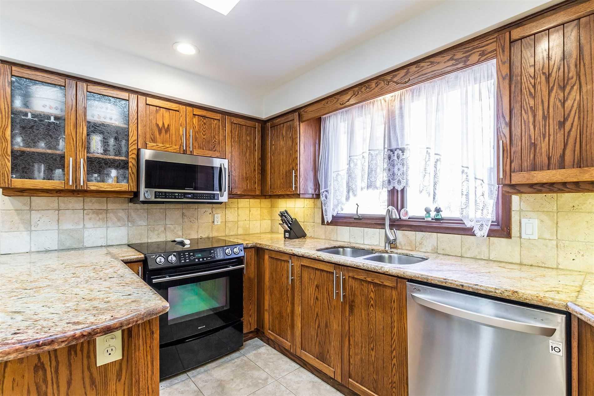 7043 Appleby Line, Milton, Ontario L9T 2Y1, 3 Bedrooms Bedrooms, 11 Rooms Rooms,4 BathroomsBathrooms,Detached,For Sale,Appleby,W5167601