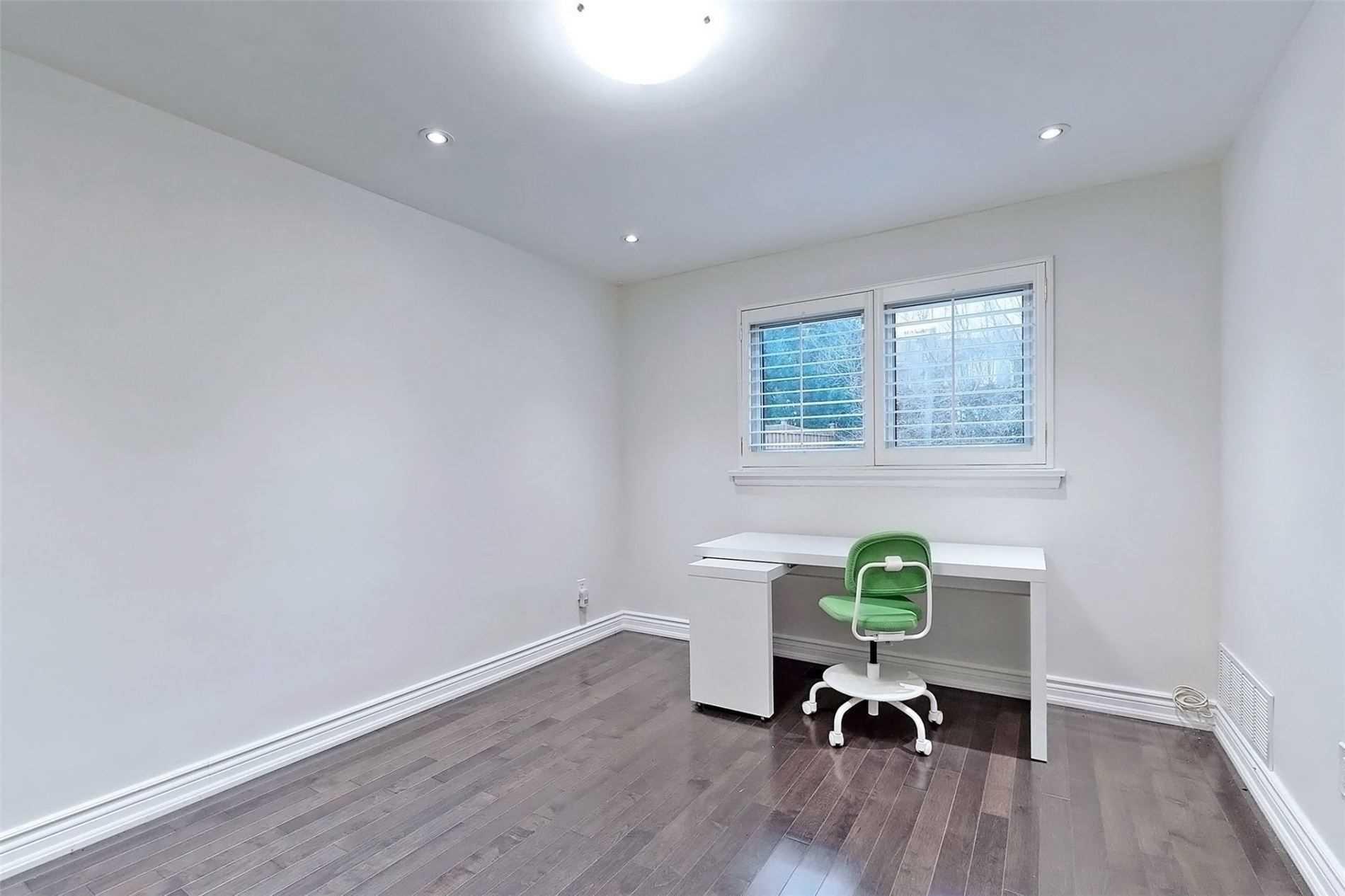 52 Alamosa Dr, Toronto, Ontario M2J2N9, 3 Bedrooms Bedrooms, 12 Rooms Rooms,3 BathroomsBathrooms,Detached,For Sale,Alamosa,C5097977