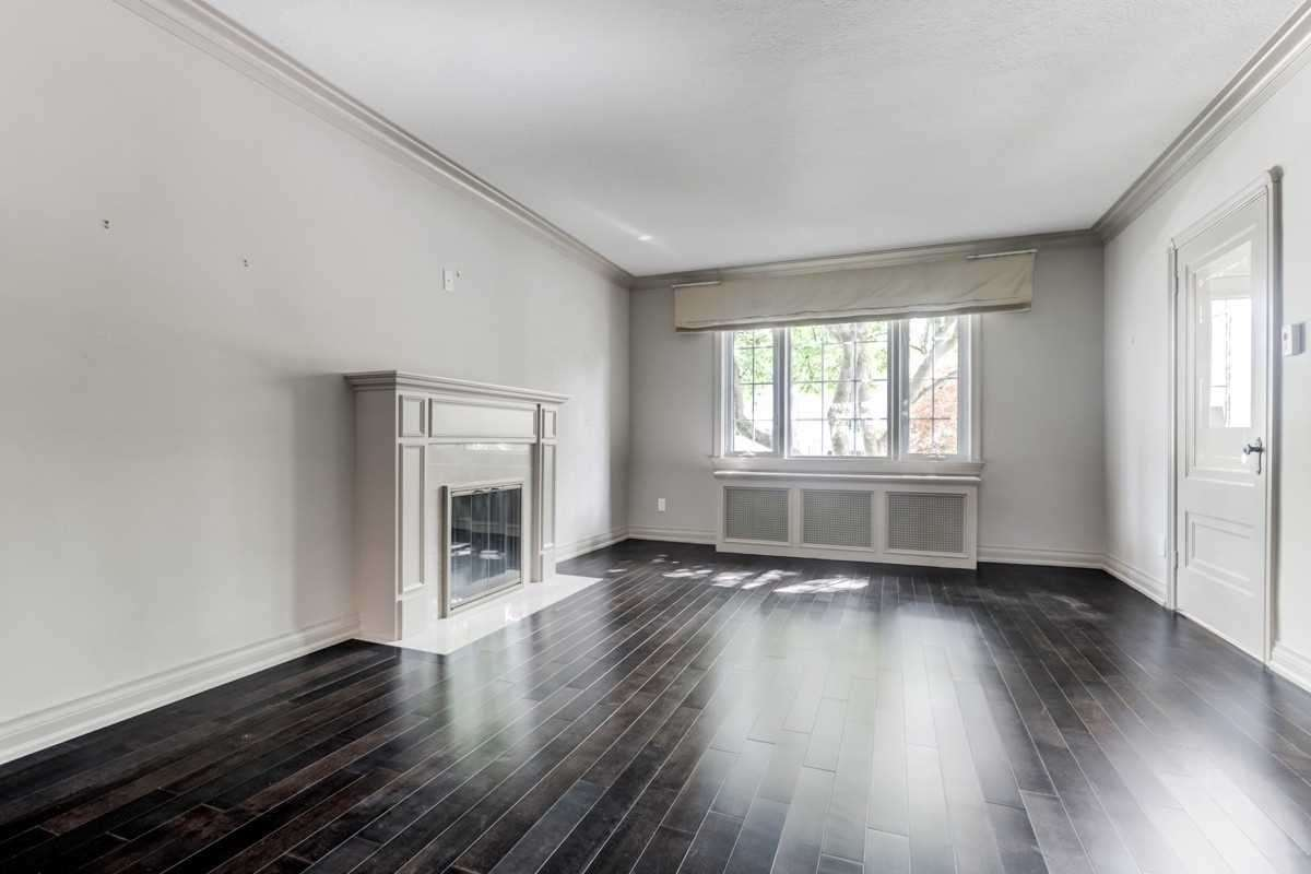 482 Broadway Ave, Toronto, Ontario M4G2R6, 3 Bedrooms Bedrooms, ,2 BathroomsBathrooms,Detached,Broadway,C4597724