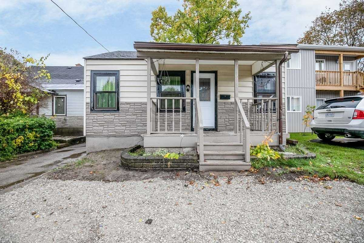301 Mary St, Orillia, Ontario L3V 3E9, 3 Bedrooms Bedrooms, ,3 BathroomsBathrooms,Detached,For Sale,Mary,S5168916