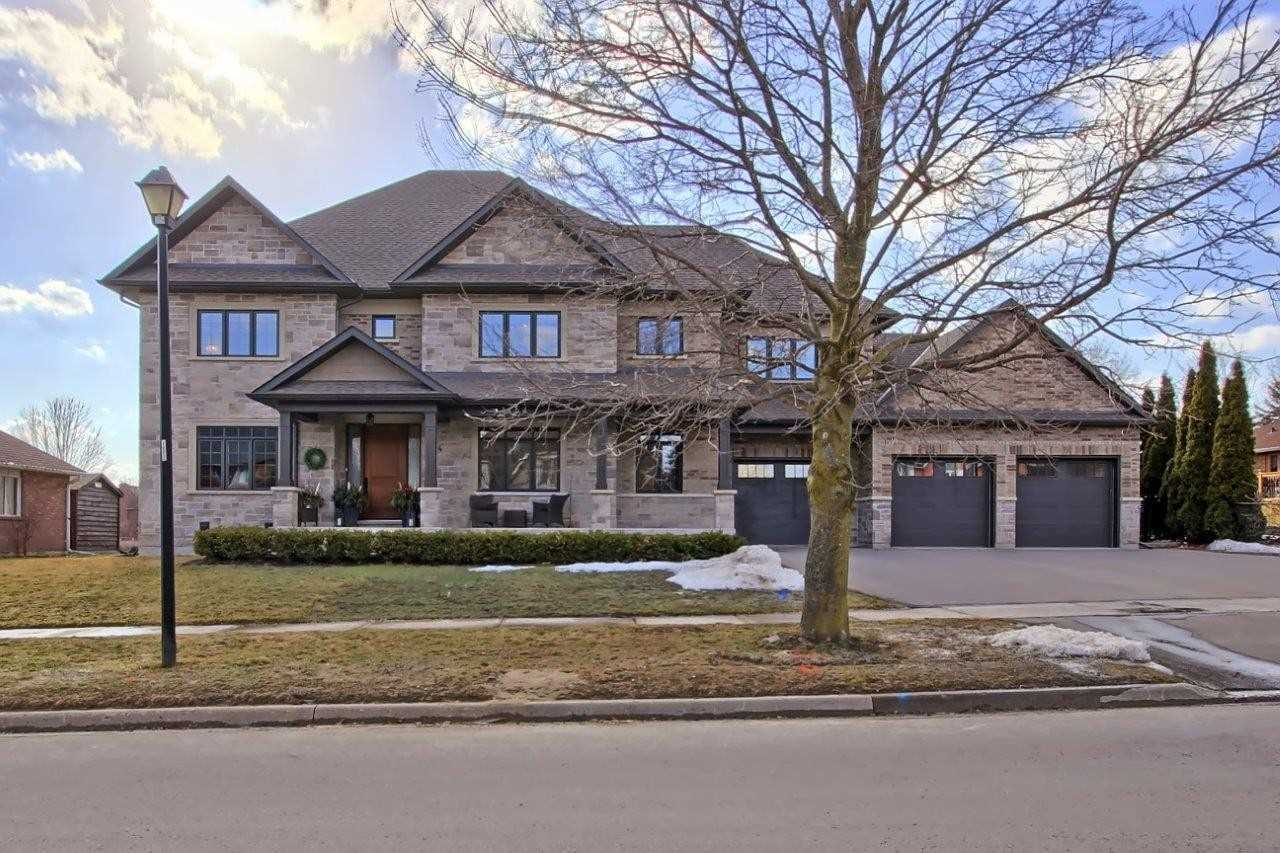 74 Howard Ave, East Gwillimbury, Ontario L0G1V0, 4 Bedrooms Bedrooms, 10 Rooms Rooms,5 BathroomsBathrooms,Detached,For Sale,Howard,N5148860