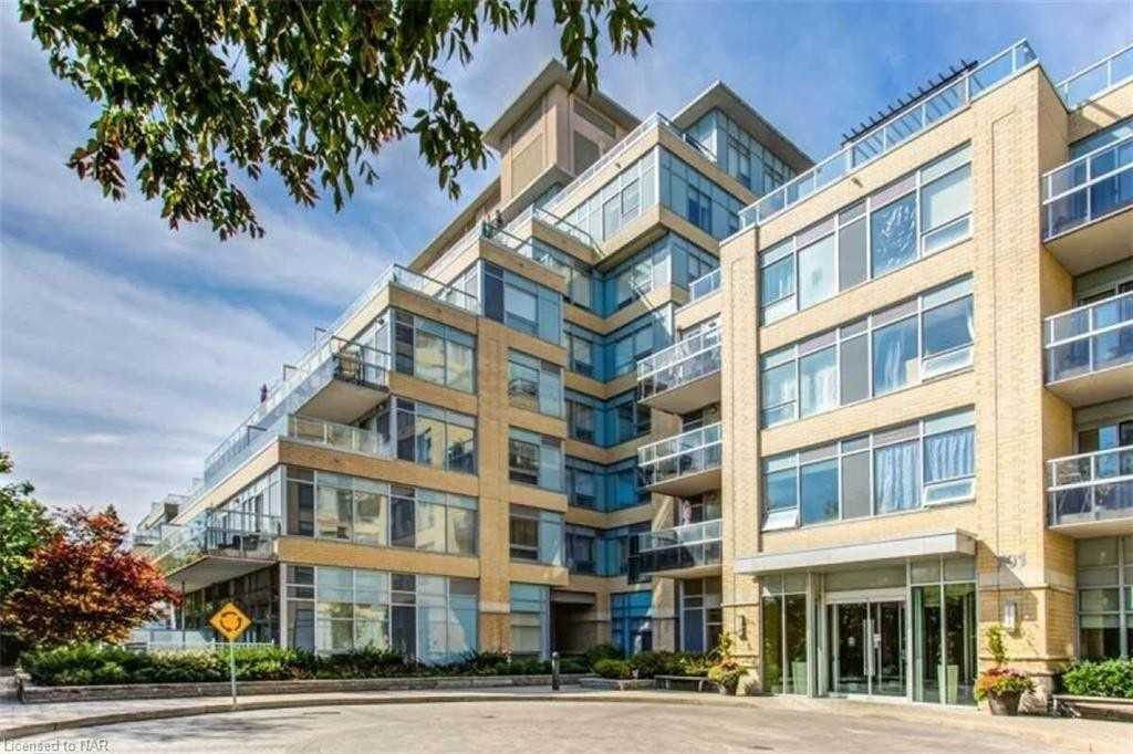 701 Sheppard Ave, Toronto, Ontario M3H2S7, 1 Bedroom Bedrooms, 5 Rooms Rooms,1 BathroomBathrooms,Condo Apt,For Sale,Sheppard,C4884757