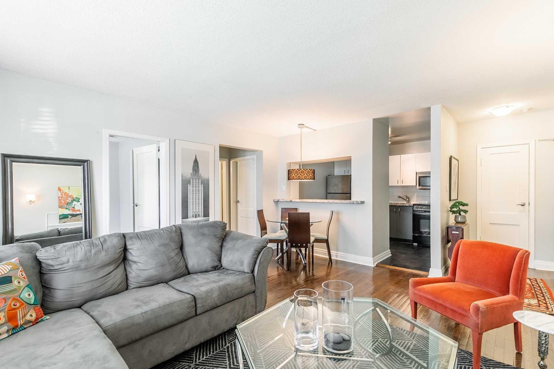 35 Raglan Ave, Toronto, Ontario M5E2E8, 2 Bedrooms Bedrooms, 5 Rooms Rooms,1 BathroomBathrooms,Condo Apt,For Sale,Raglan,C4906383