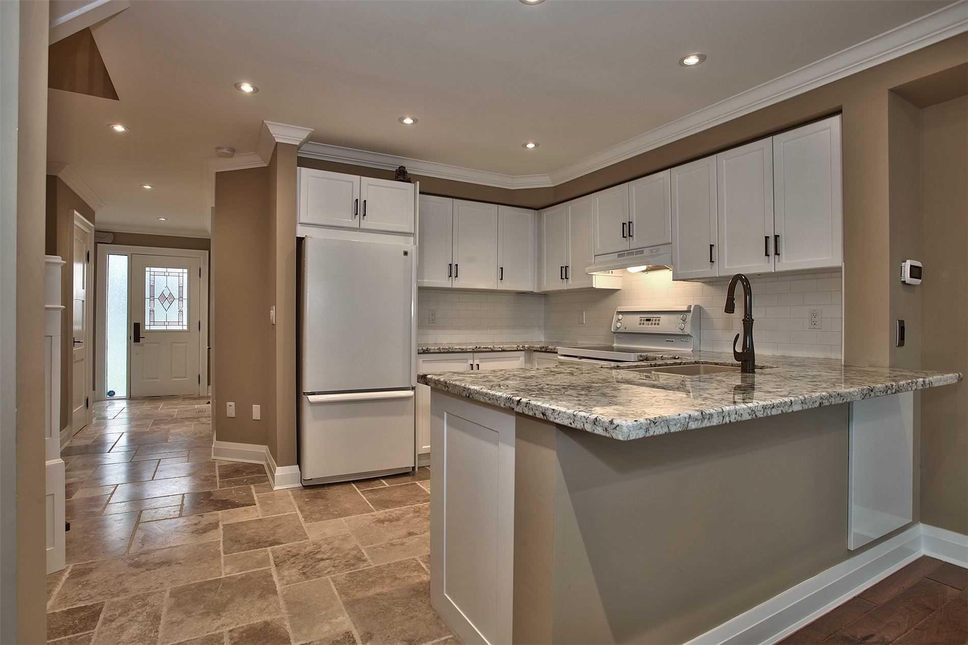 1240 Westview Terr, Oakville, Ontario L6M3M4, 3 Bedrooms Bedrooms, ,3 BathroomsBathrooms,Condo Townhouse,For Lease,Westview,W5182648