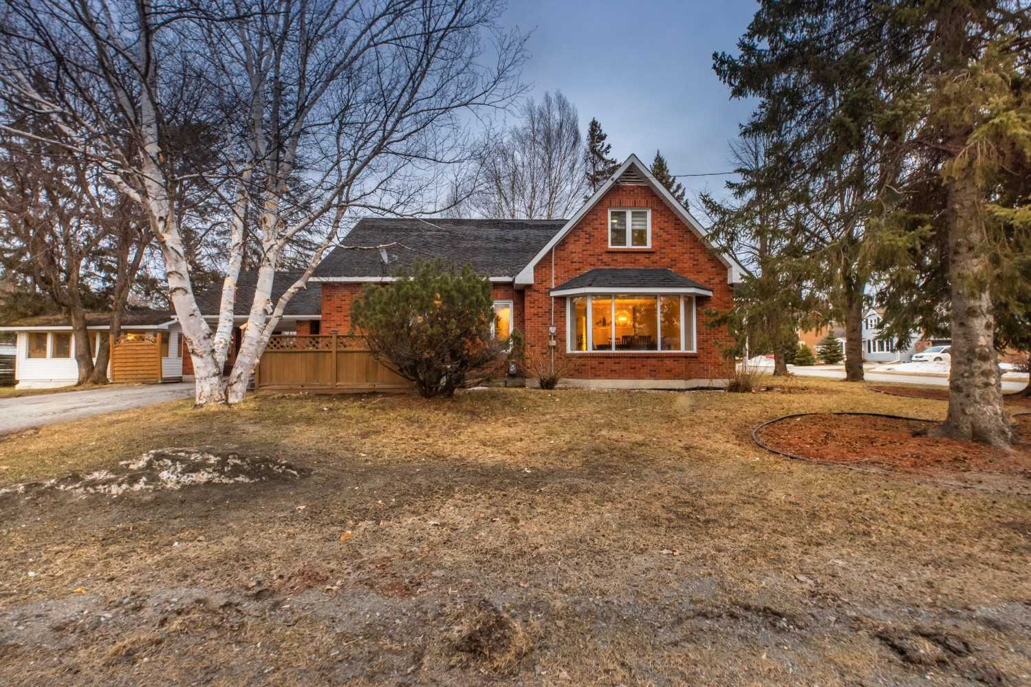 17 Eighth Ave, Englehart, Ontario P0J 1H0, 5 Bedrooms Bedrooms, ,3 BathroomsBathrooms,Detached,For Sale,Eighth,X5177312