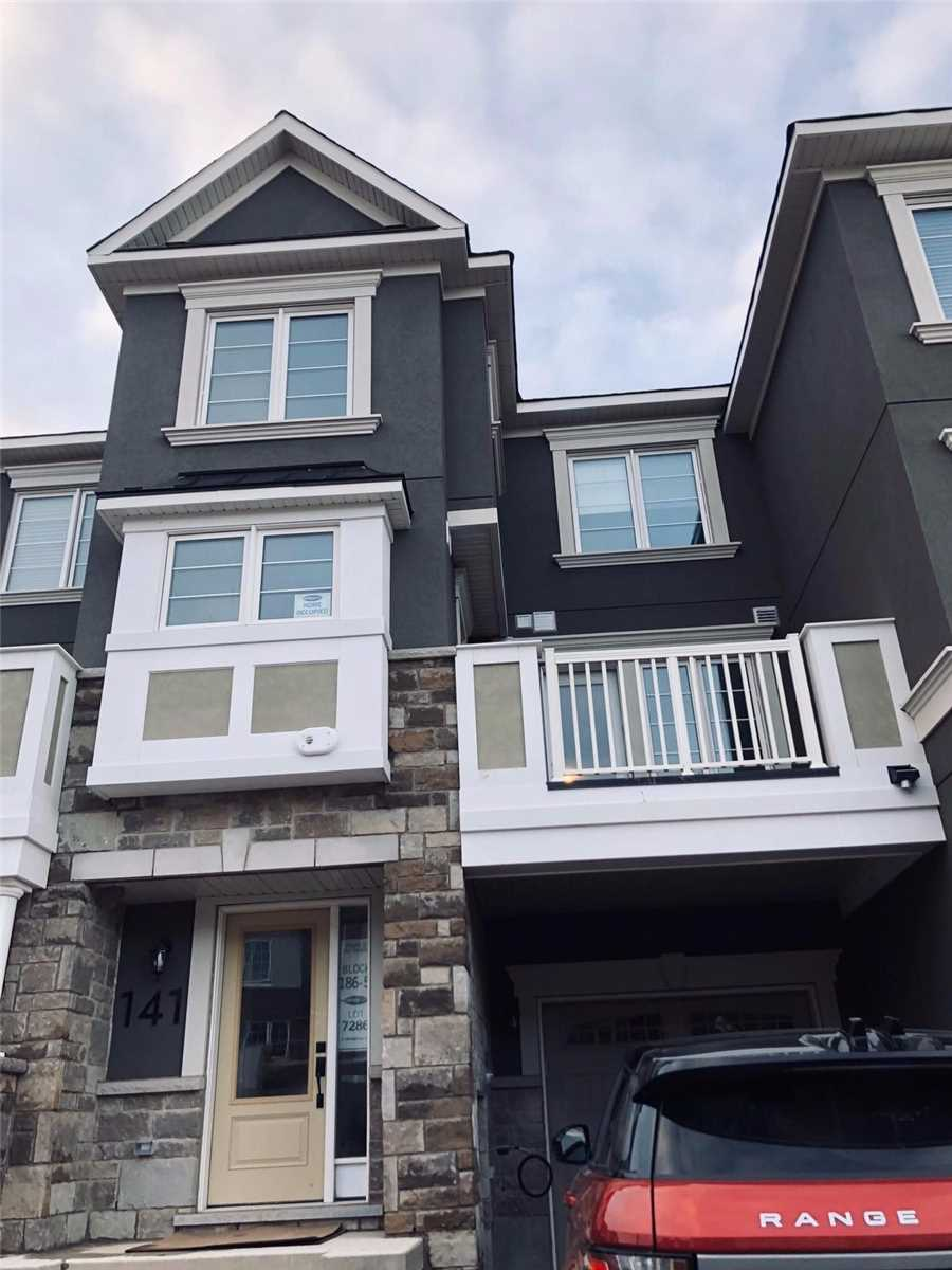 141 Christopher Rd, Oakville, L6H0X9, 2 Bedrooms Bedrooms, ,3 BathroomsBathrooms,Att/Row/Twnhouse,For Lease,Christopher,W4676089