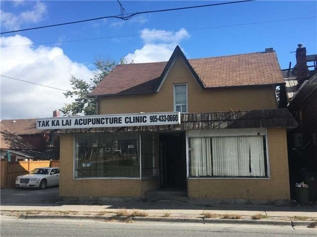 325 Simcoe St, Oshawa, Ontario L1H4H9, ,Commercial/Retail,For Sale,Simcoe,E4836394