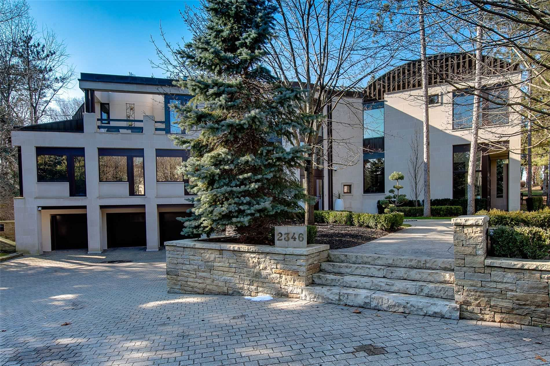 2346 Doulton Dr, Mississauga, Ontario L5H3M3, 4 Bedrooms Bedrooms, 10 Rooms Rooms,6 BathroomsBathrooms,Detached,For Sale,Doulton,W4859612