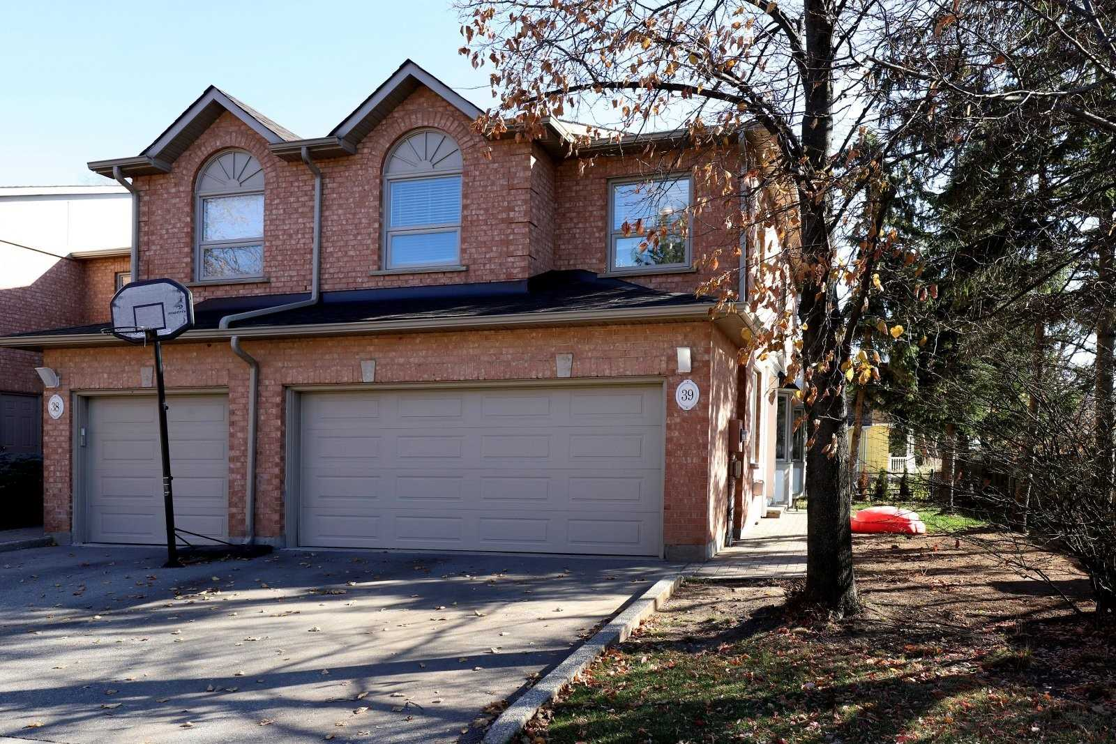 2065 Sixth Line, Oakville, L6H5R8, 3 Bedrooms Bedrooms, ,4 BathroomsBathrooms,Condo Townhouse,For Sale,Sixth,W4994514
