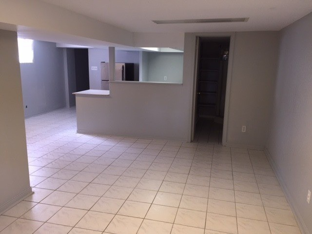 520 Prince Edward Dr, Toronto, Ontario M8X2M5, 2 Bedrooms Bedrooms, ,1 BathroomBathrooms,Lower Level,For Lease,Prince Edward,W5175496
