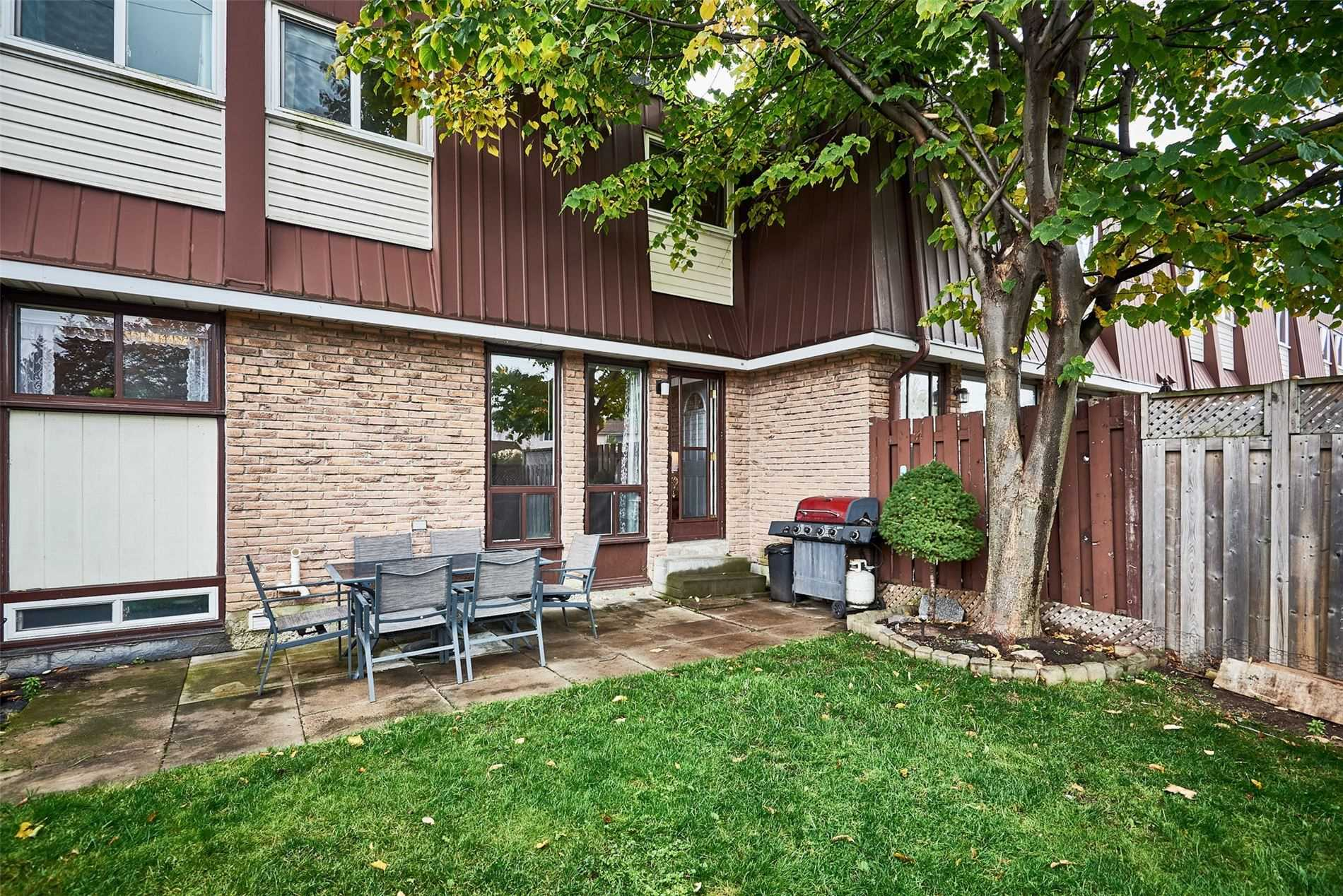 1333 Mary St, Oshawa, Ontario L1G6Z2, 3 Bedrooms Bedrooms, 5 Rooms Rooms,1 BathroomBathrooms,Condo Townhouse,For Sale,Mary,E4969859
