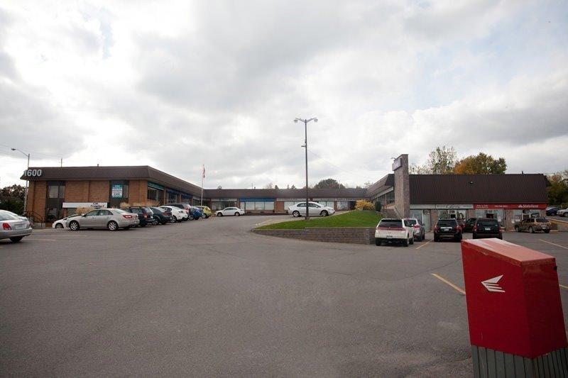 1600 Lansdowne St, Peterborough, Ontario K9J 7C7, ,1 BathroomBathrooms,Commercial/retail,For Lease,Lansdowne,X5272368