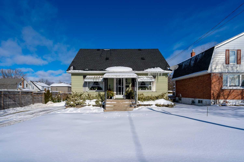 854 16th St, Owen Sound, Ontario N4K-1Z1, 3 Bedrooms Bedrooms, ,2 BathroomsBathrooms,Detached,For Sale,16th,X5152309