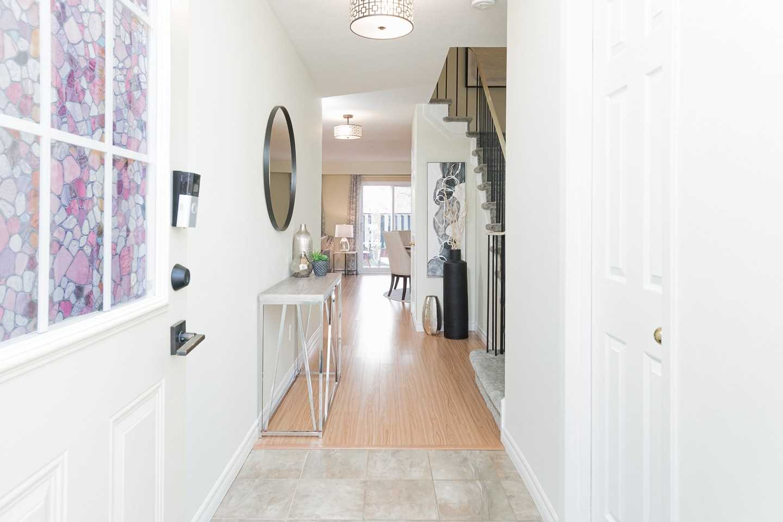 377 Ontario St, Milton, L9T3J3, 4 Bedrooms Bedrooms, ,2 BathroomsBathrooms,Condo Townhouse,For Sale,Ontario,W5086922