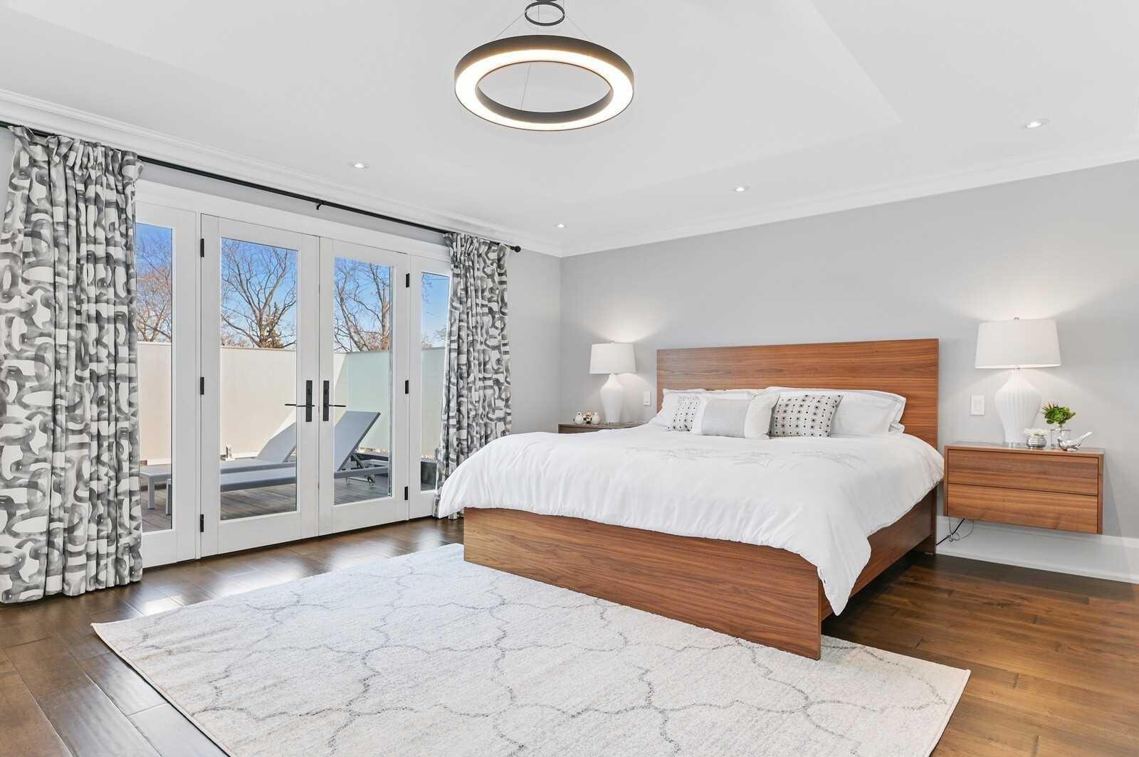 54 Lockheed Blvd, Toronto, Ontario M9P2J1, 4 Bedrooms Bedrooms, 13 Rooms Rooms,5 BathroomsBathrooms,Detached,For Sale,Lockheed,W5167240