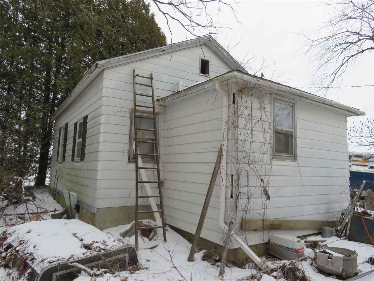 W5443 Fox Rd, Oak Grove, Wisconsin 53039-9620, 1 Bedroom Bedrooms, ,1 BathroomBathrooms,Single Family,For Sale,Fox Rd,1900834
