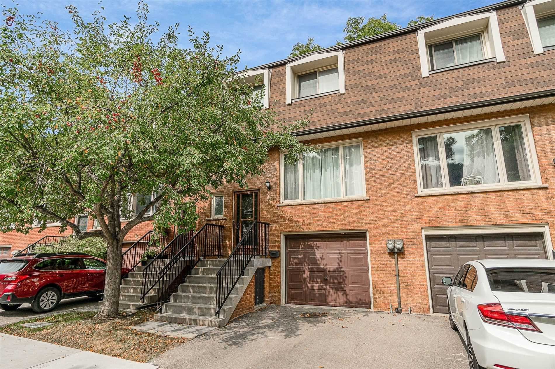 16 Silver Shadow Path, Toronto, Ontario M9C4Y2, 3 Bedrooms Bedrooms, 6 Rooms Rooms,2 BathroomsBathrooms,Condo Townhouse,For Sale,Silver Shadow,W4913336
