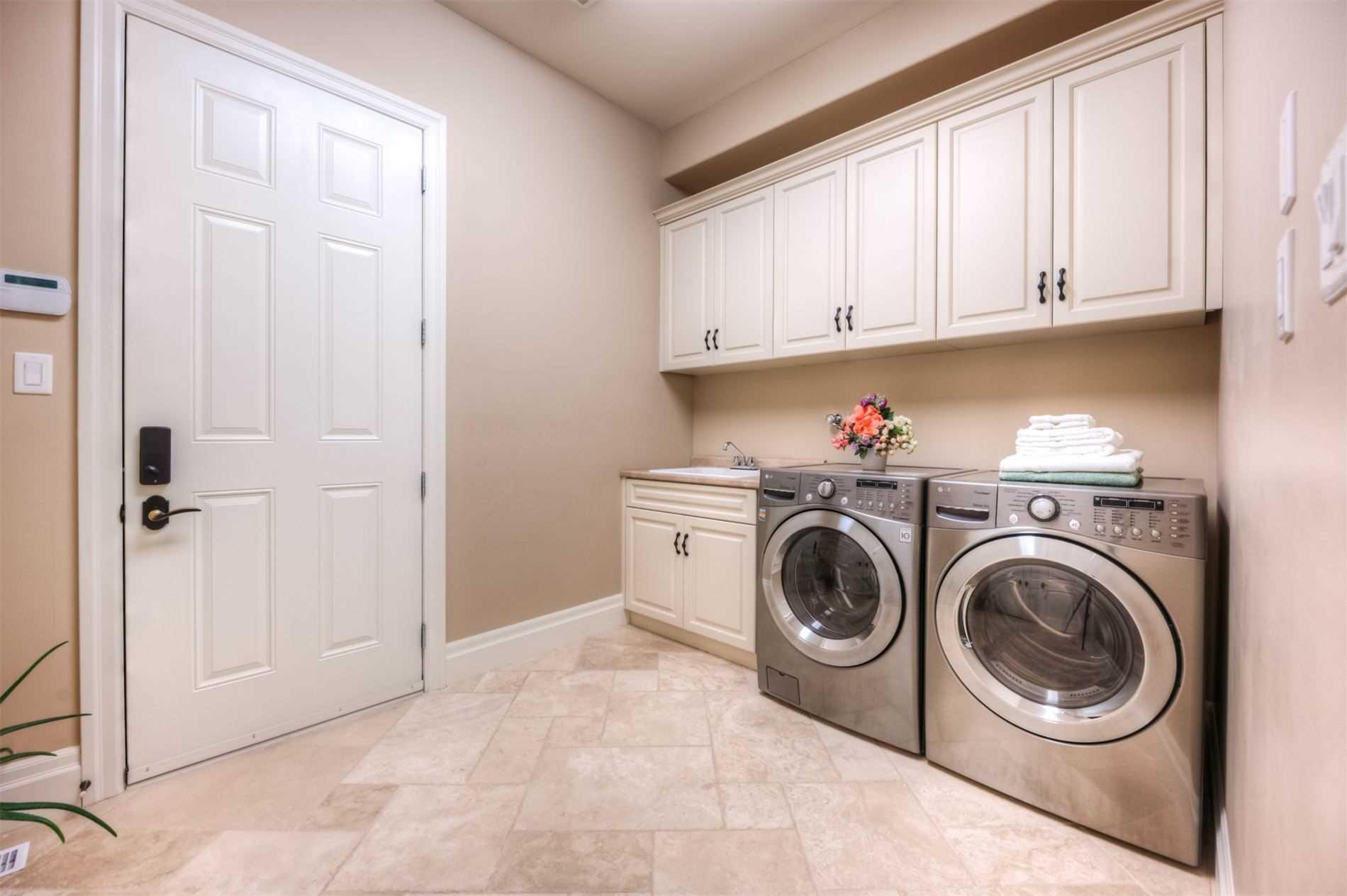 463 Deer Ridge Dr, Waterloo, Ontario N2P 0A7, 4 Bedrooms Bedrooms, 11 Rooms Rooms,4 BathroomsBathrooms,Detached,For Sale,Deer Ridge,X5150129