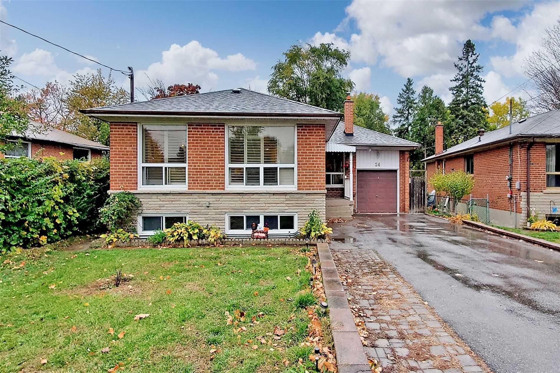 24 Barkwin Dr, Toronto, Ontario M9V 2W3, 3 Bedrooms Bedrooms, 7 Rooms Rooms,2 BathroomsBathrooms,Detached,For Sale,Barkwin,W5131204