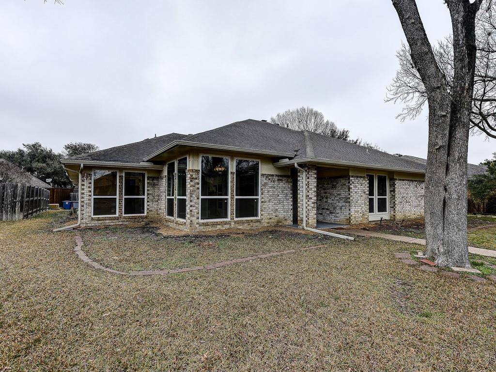 10109 Cherry Tree Drive, Dallas, Texas, 3 Bedrooms Bedrooms, ,3 BathroomsBathrooms,Residential,For Sale,Cherry Tree,14511060