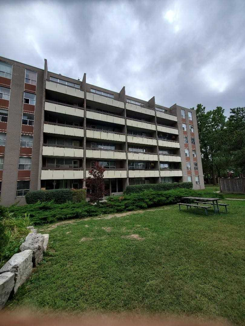 3625 Lakeshore West Blvd, Toronto, Ontario M8W4W2, 1 Bedroom Bedrooms, 4 Rooms Rooms,1 BathroomBathrooms,Co-op Apt,For Sale,Lakeshore West,W4899792