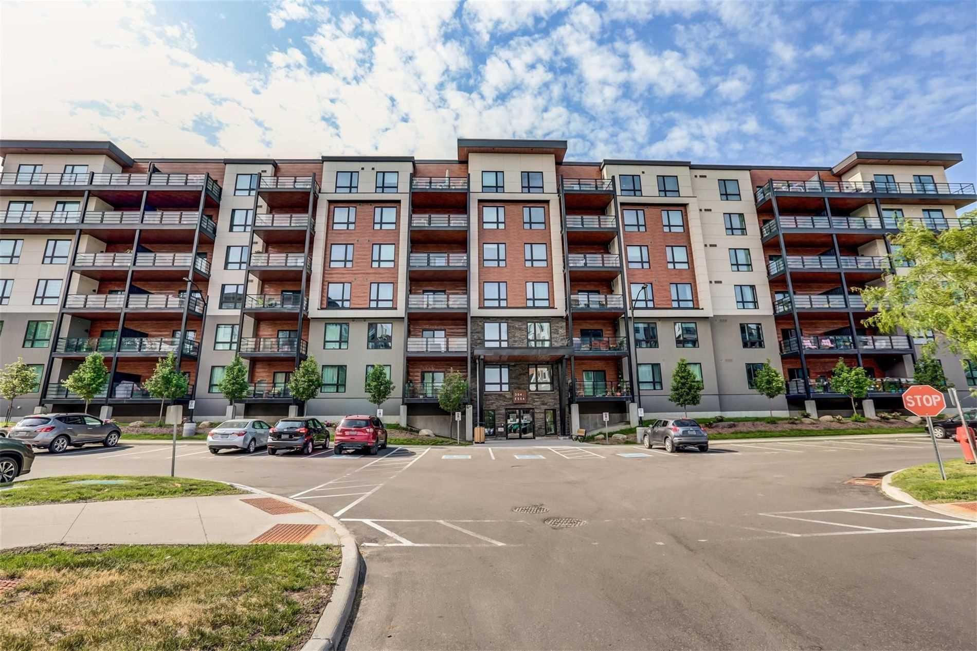 304 Essa Rd, Barrie, Ontario L9J 0H4, 2 Bedrooms Bedrooms, ,2 BathroomsBathrooms,Condo Apt,For Sale,Essa,S5273059