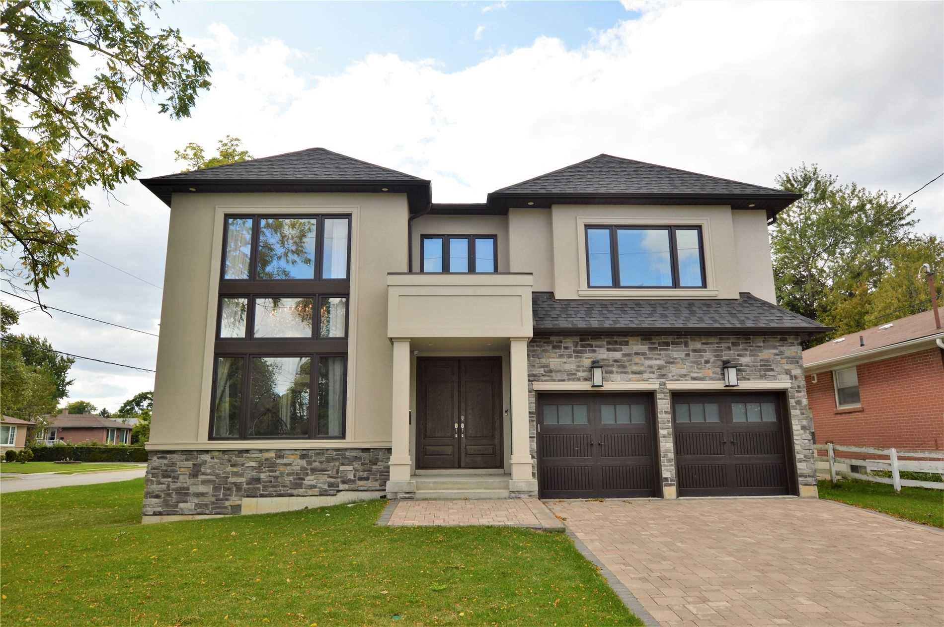 220 Sussex Ave, Richmond Hill, Ontario L4C 2G2, 4 Bedrooms Bedrooms, 10 Rooms Rooms,5 BathroomsBathrooms,Detached,For Sale,Sussex,N4852596