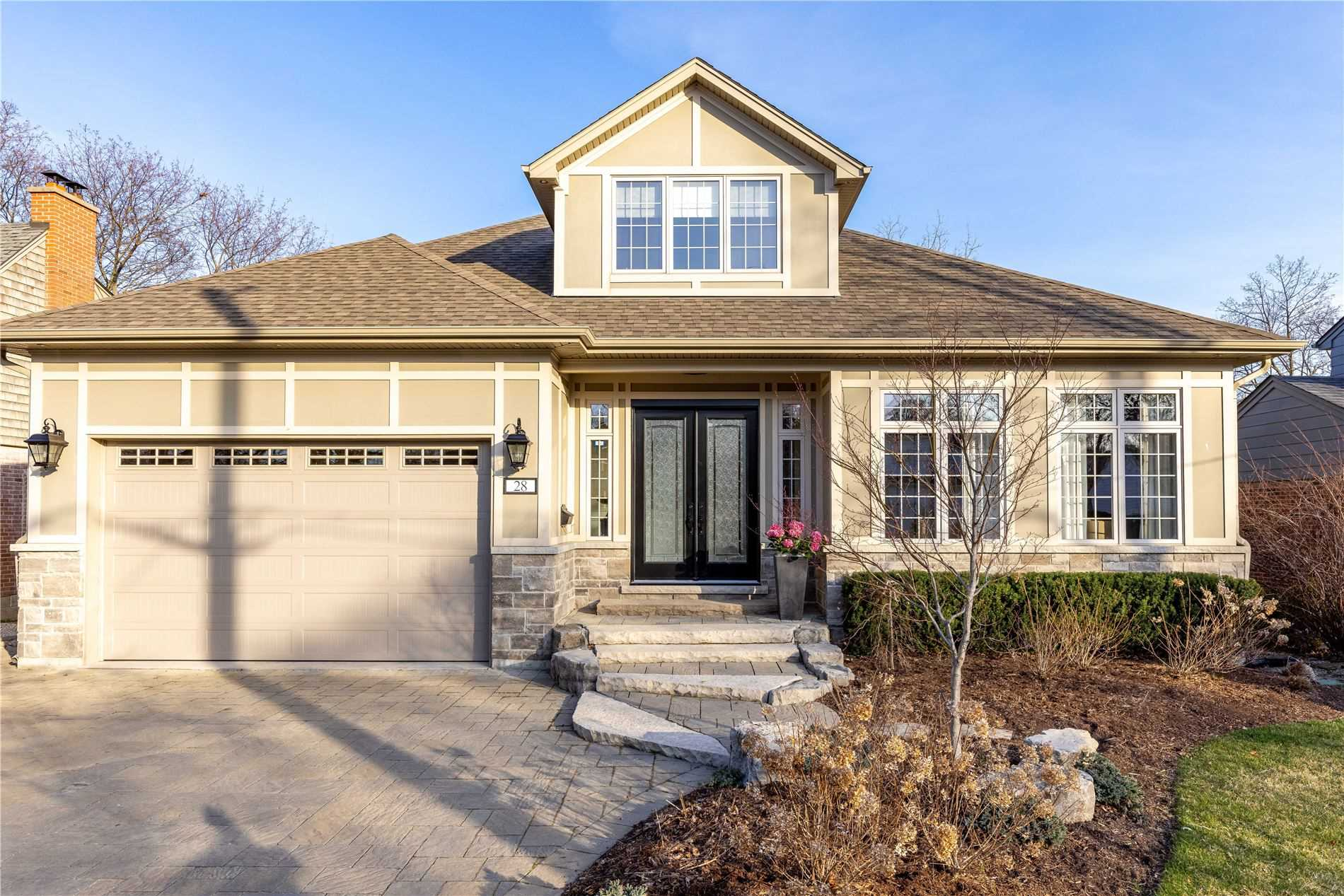 28 Highland Rd, Oakville, Ontario L6K1S7, 4 Bedrooms Bedrooms, 9 Rooms Rooms,4 BathroomsBathrooms,Detached,For Sale,Highland,W5159980