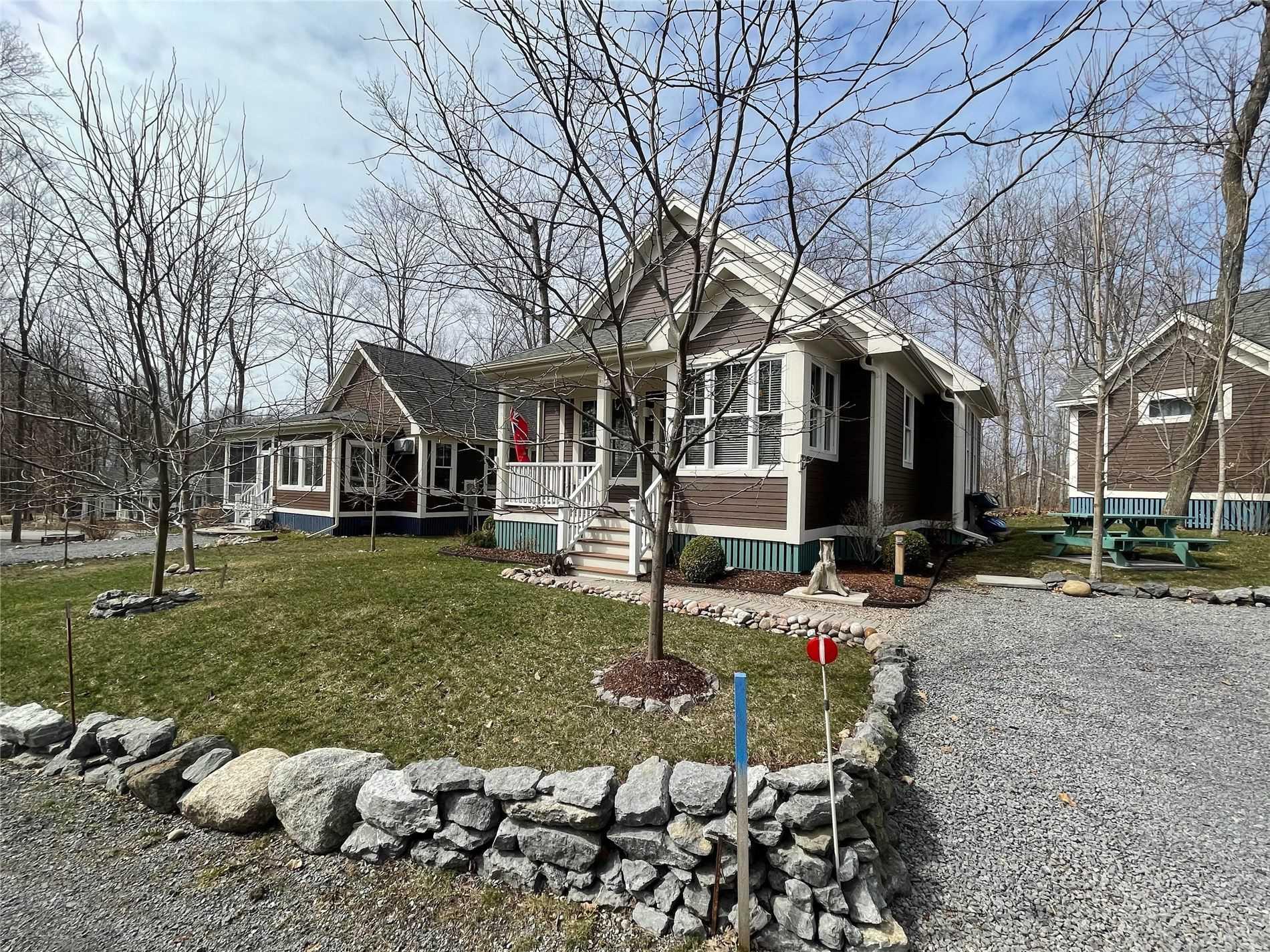 3 Farm View Lane, Prince Edward County, Ontario K0K1P0, 2 Bedrooms Bedrooms, ,2 BathroomsBathrooms,Detached,For Sale,Farm View,X5172421