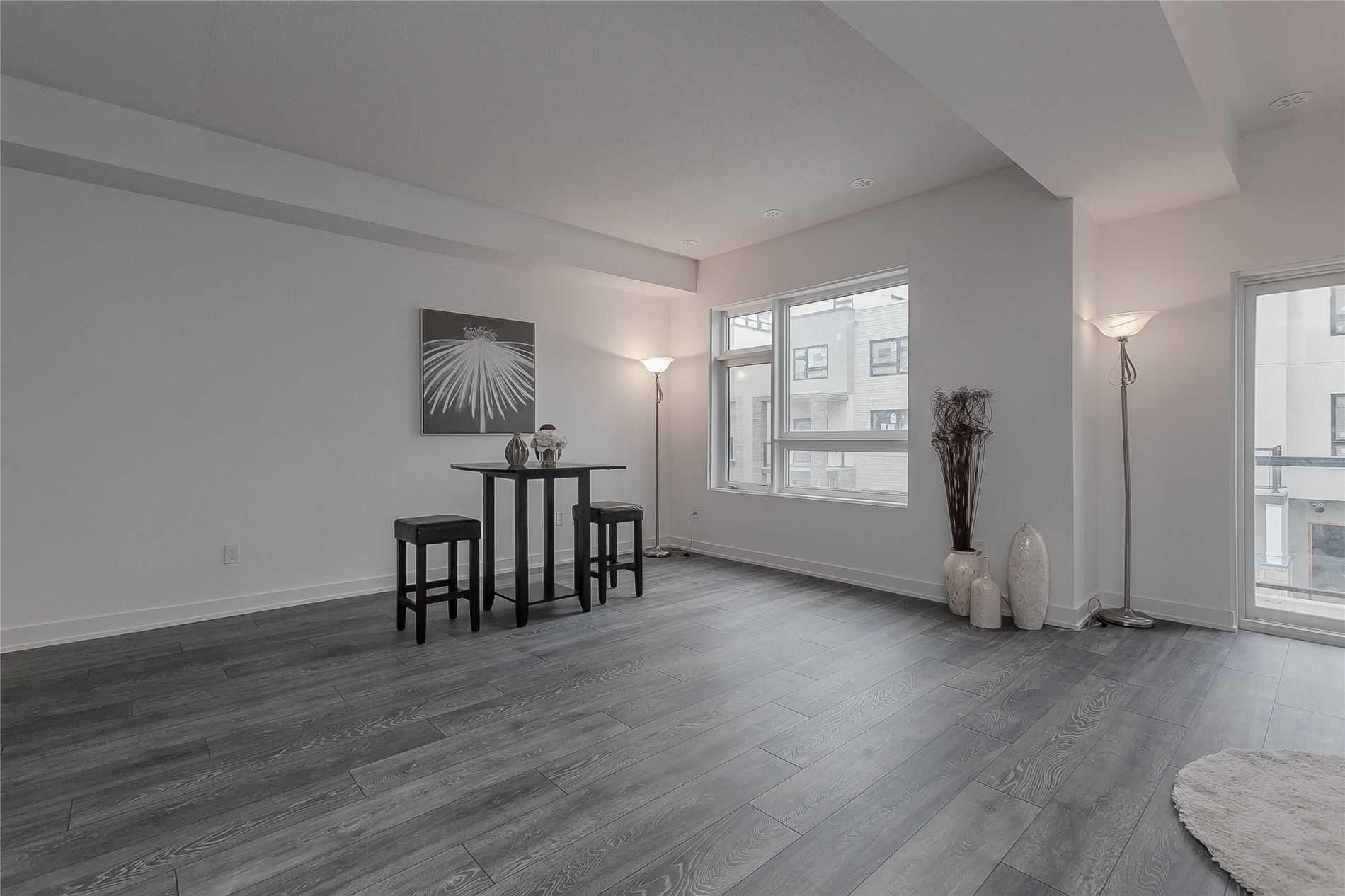 1121 Cooke Blvd, Burlington, L7T0C3, 2 Bedrooms Bedrooms, ,3 BathroomsBathrooms,Condo Townhouse,For Sale,Cooke,W5085770