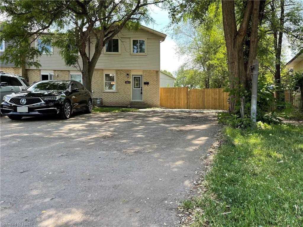 3073 Empire Pl, Niagara Falls, Ontario L2J 3L7, 3 Bedrooms Bedrooms, ,2 BathroomsBathrooms,Att/row/twnhouse,For Sale,Empire,X5273384