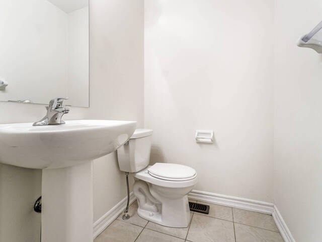 25 Miami Grve, Brampton, Ontario L6Z0H7, 3 Bedrooms Bedrooms, 9 Rooms Rooms,4 BathroomsBathrooms,Att/Row/Twnhouse,For Sale,Miami,W4981693