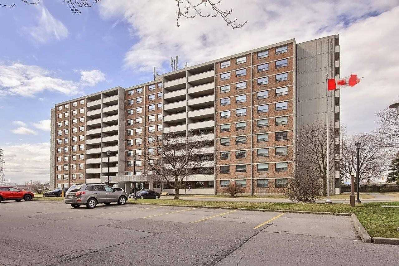 20 William Roe Blvd, Newmarket, Ontario L3Y5V6, 2 Bedrooms Bedrooms, ,2 BathroomsBathrooms,Condo Apt,For Sale,William Roe,N5188976