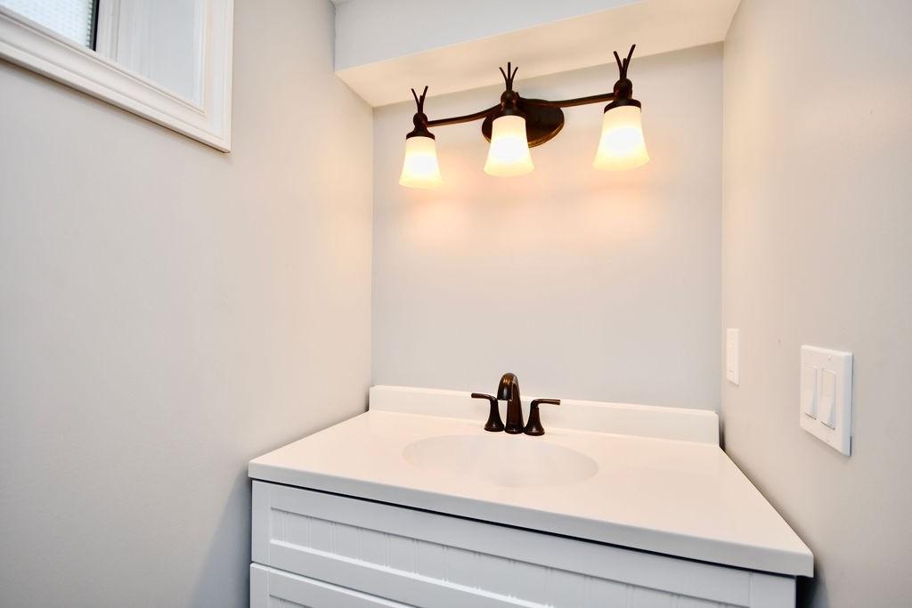 320 Franklin St, Orillia, Ontario L3V 1K6, 2 Bedrooms Bedrooms, ,2 BathroomsBathrooms,Detached,For Sale,Franklin,S5174532