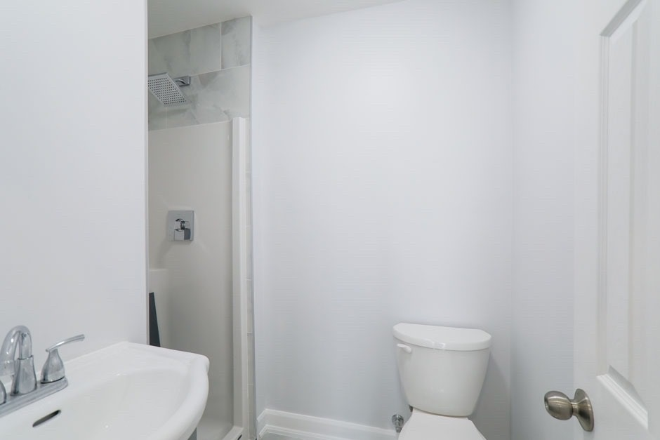 Detached house For Lease In Toronto - 210 Carlton St, Toronto, Ontario, Canada M5A 2L1 , ,1 BathroomBathrooms,Detached,For Lease,101,Carlton