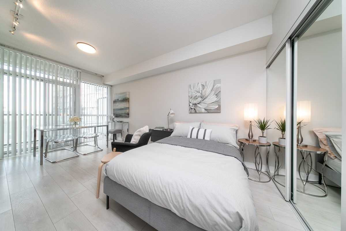 169 Fort York Blvd, Toronto, Ontario M5V0C8, 2 Rooms Rooms,1 BathroomBathrooms,Condo Apt,For Sale,Fort York,C4909279