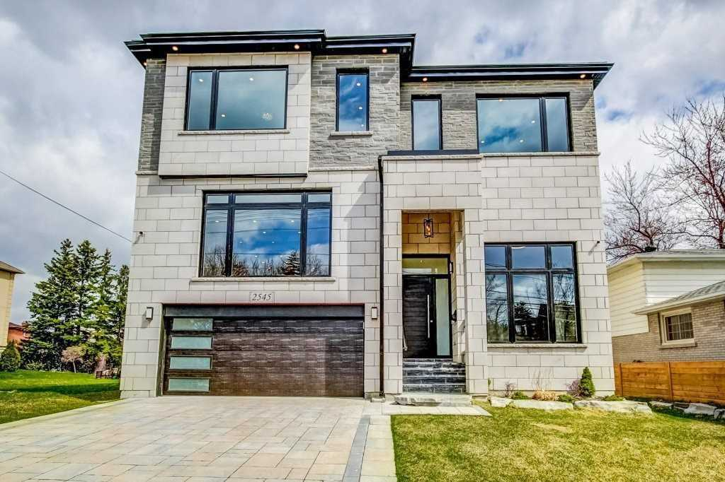 2545 Glengarry Rd, Mississauga, Ontario L5C1Y1, 4 Bedrooms Bedrooms, 16 Rooms Rooms,7 BathroomsBathrooms,Detached,For Sale,Glengarry,W4860469