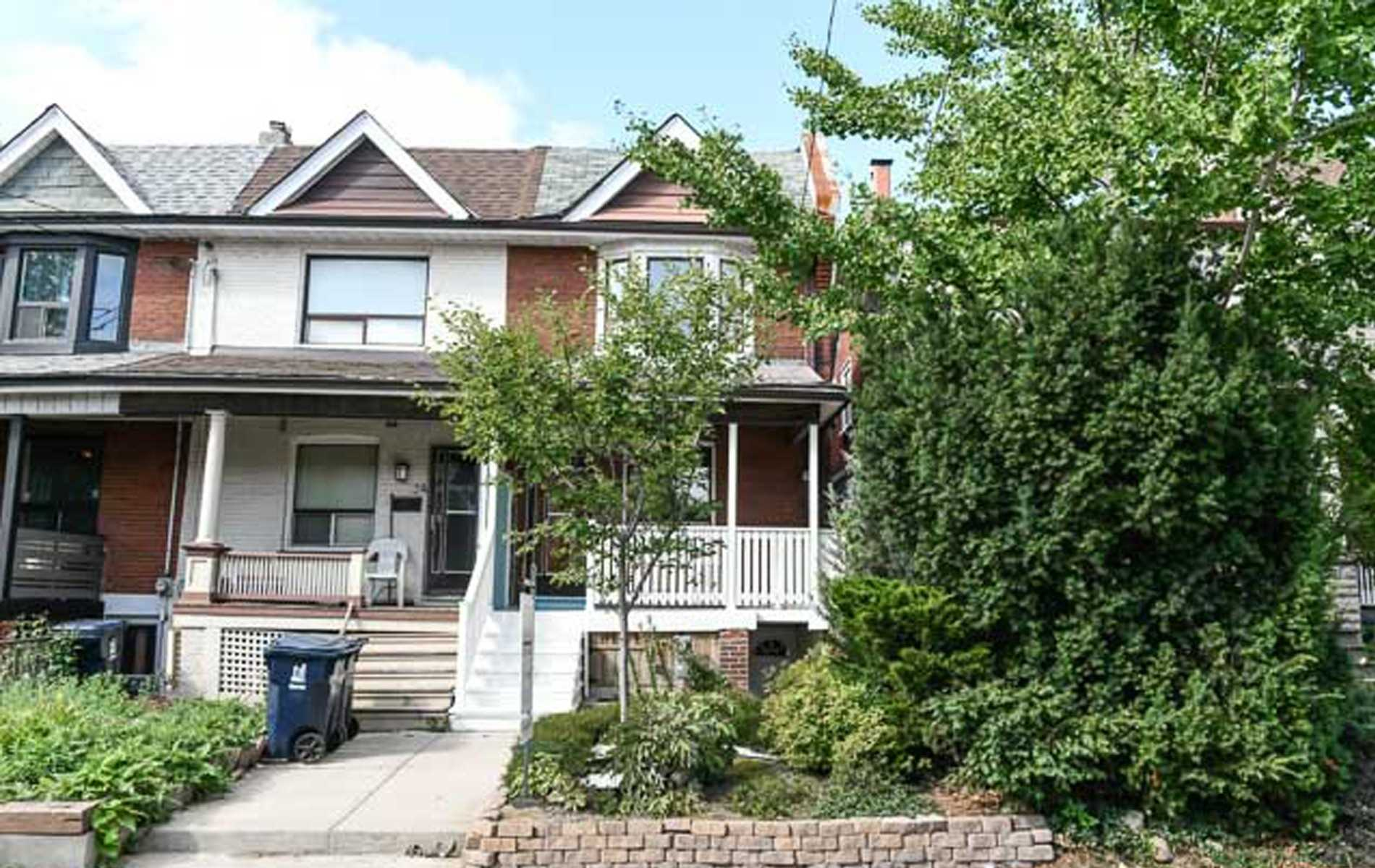 34A Somerset Ave, Toronto, Ontario M6H2R4, 3 Bedrooms Bedrooms, 7 Rooms Rooms,3 BathroomsBathrooms,Att/row/twnhouse,For Sale,Somerset,C4915371