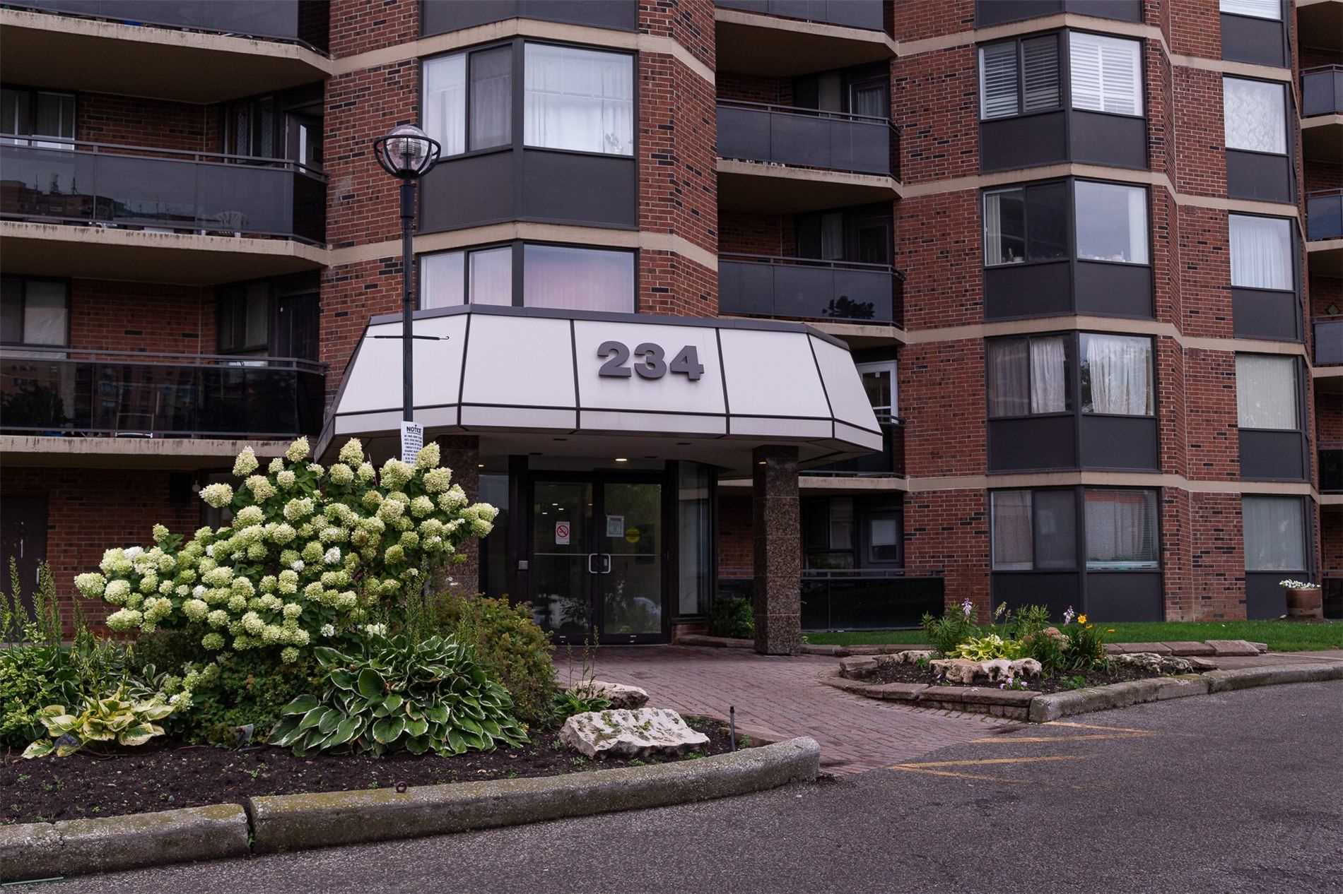 234 Albion Rd, Toronto, Ontario M9W6A5, 2 Bedrooms Bedrooms, 5 Rooms Rooms,1 BathroomBathrooms,Condo Apt,For Sale,Albion,W4912583