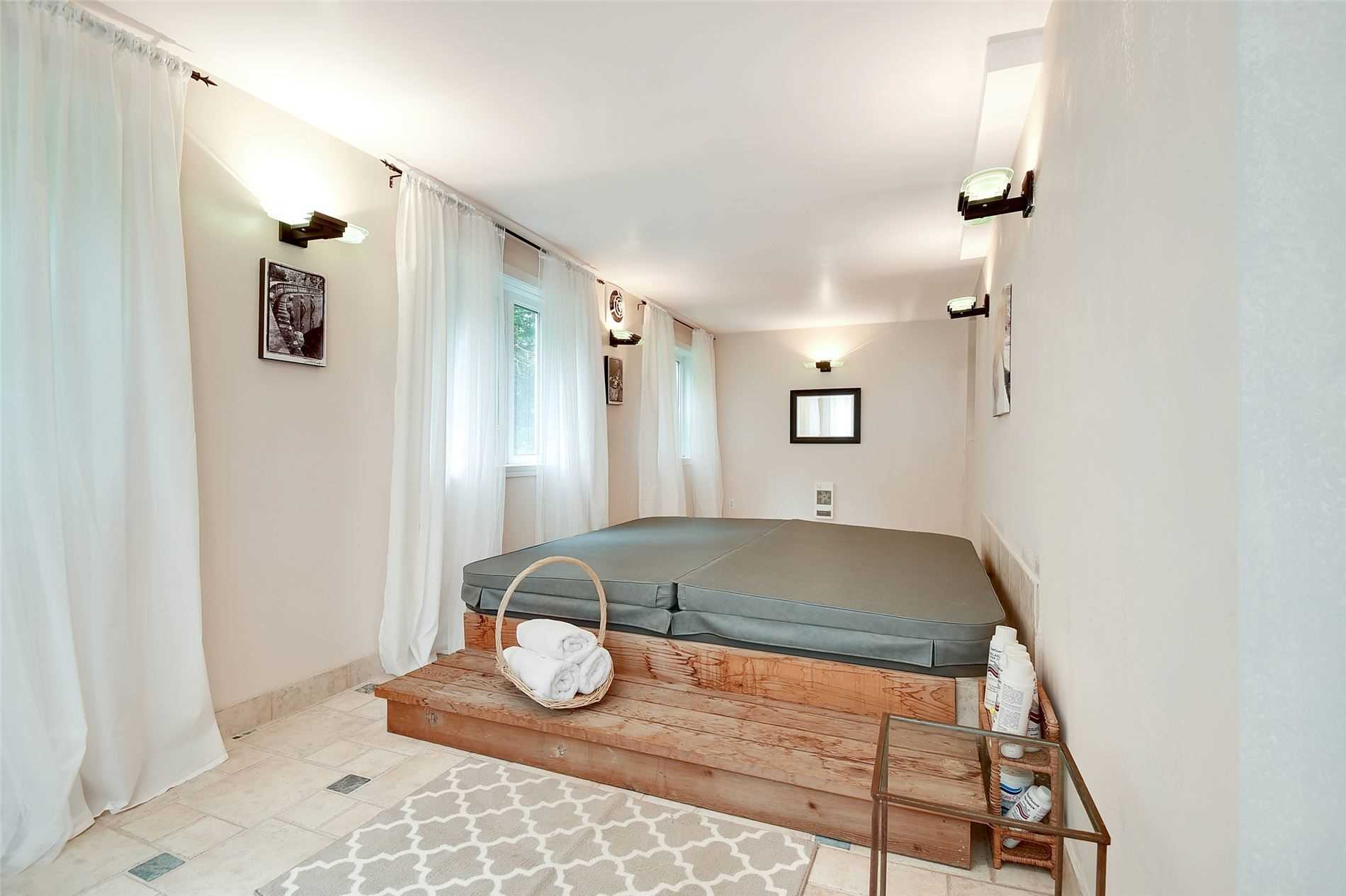 630 Woodland Acres Cres, Vaughan, Ontario L6A1G2, ,7 BathroomsBathrooms,Land,For Sale,Woodland Acres,N4775262