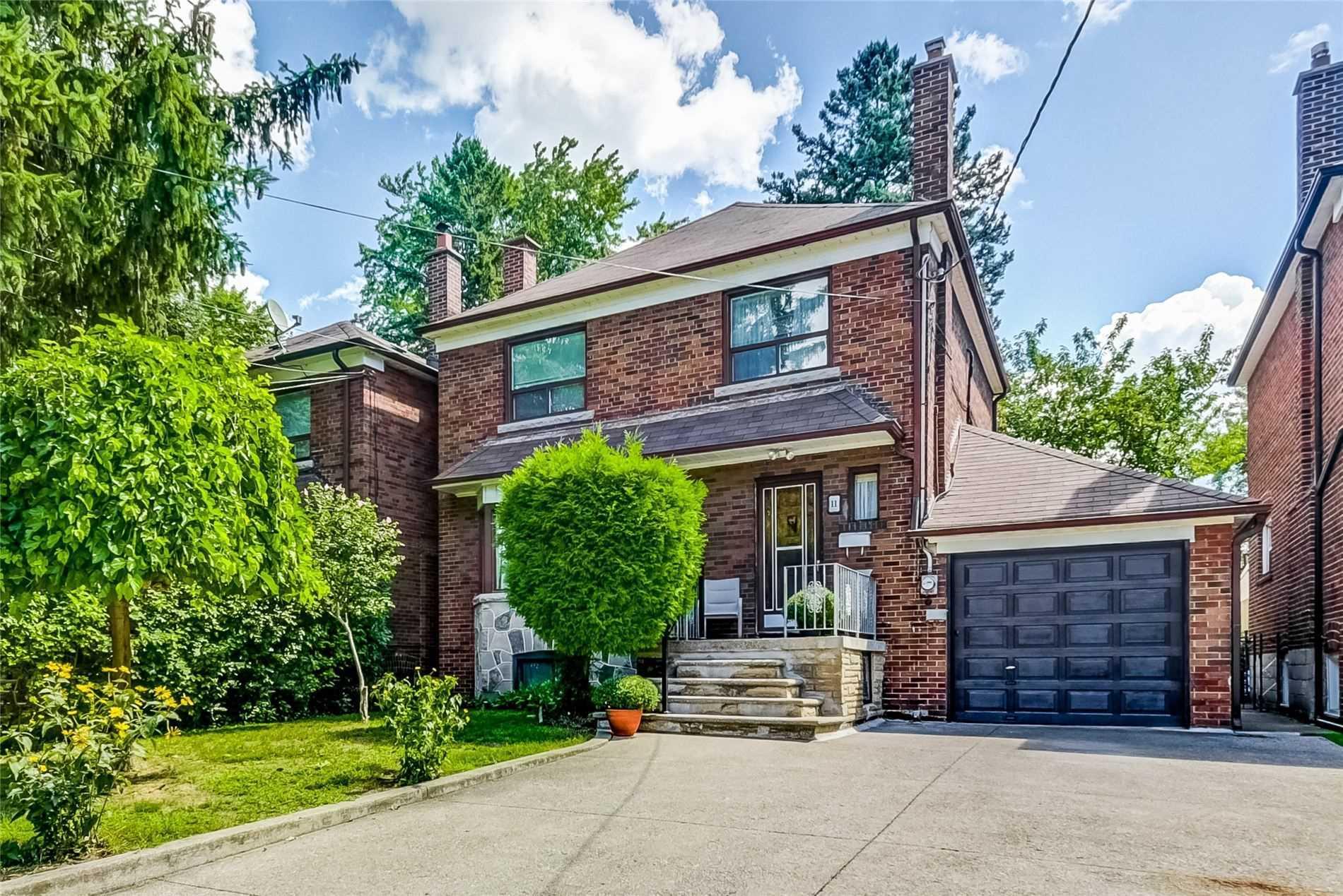 11 Hillside Dr, Toronto, Ontario M4K2M1, 3 Bedrooms Bedrooms, 7 Rooms Rooms,2 BathroomsBathrooms,Detached,For Sale,Hillside,E4874507
