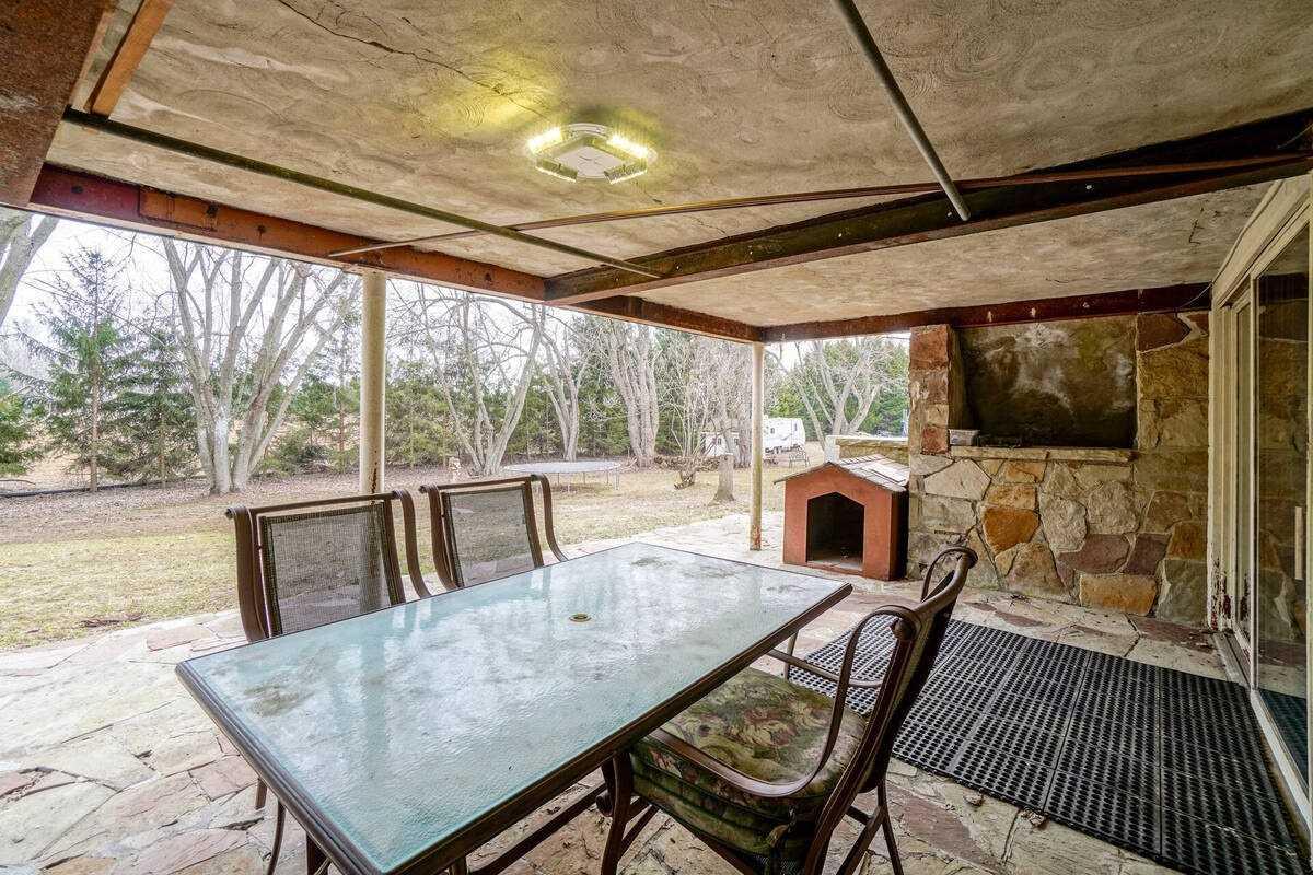 15790 Horseshoe Hill, Caledon, Ontario L7C 2N3, 3 Bedrooms Bedrooms, 6 Rooms Rooms,2 BathroomsBathrooms,Detached,For Sale,Horseshoe,W5166832